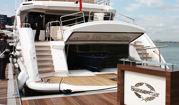 Sunseeker Sovereign 17 fitted with ALI 68 aluminium rub rail