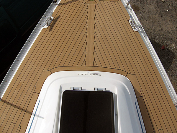 Synthetic teak boat deck - swept deck to herringbone